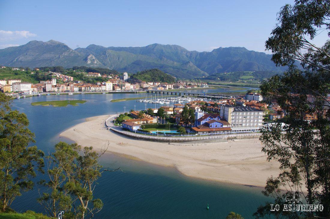 En la playa de Santa Marina tienes preciosos edificios y casonas de época.