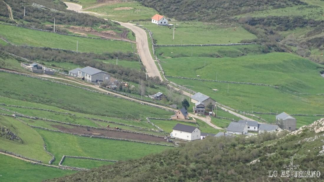 Zoom hacia El Puerto de Somiedo, Asturias.
