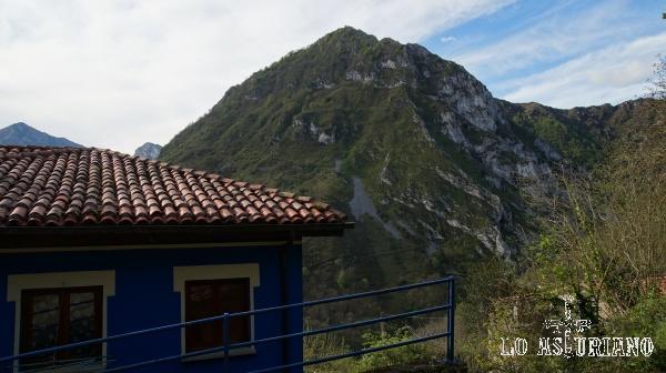 El esbelto pico Pondio, desde Ambingüe, Ponga.