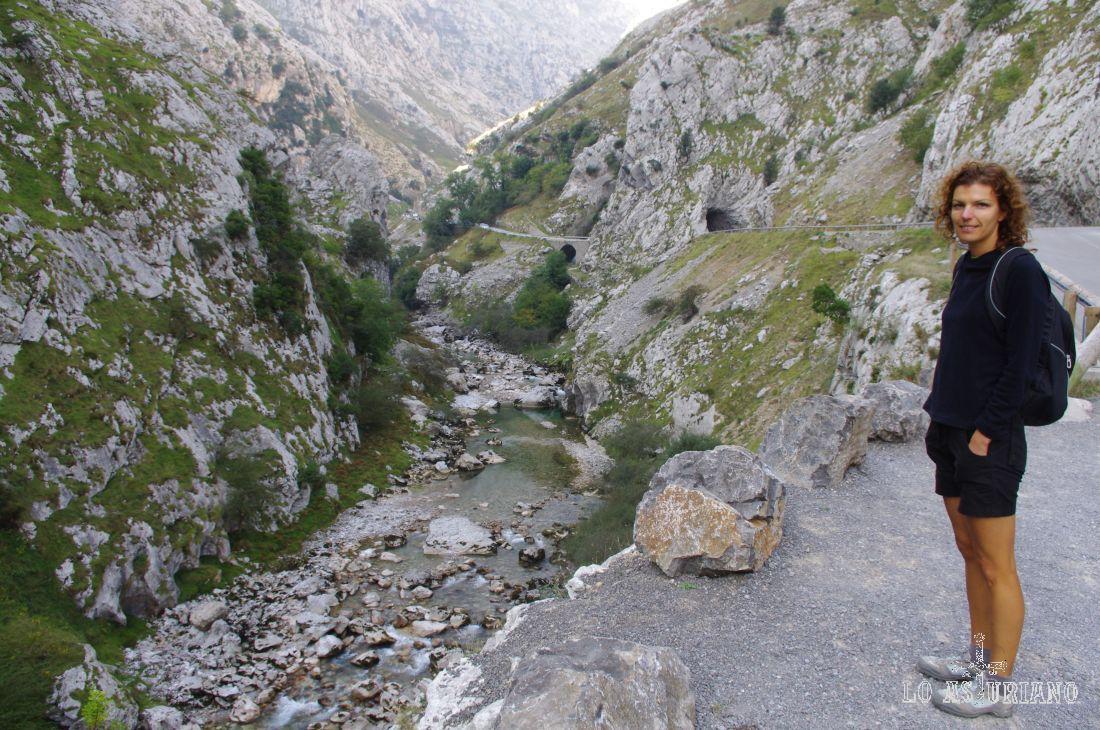 Río Cares en la zona de Poncebos.