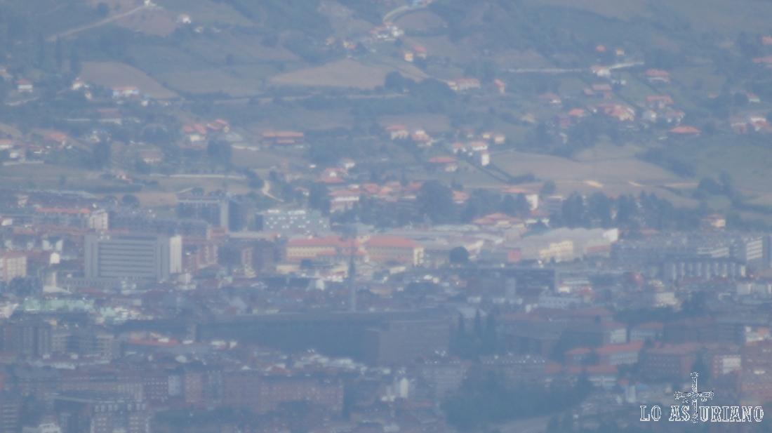 La ciudad de Oviedo desde el pico Monsacro.