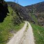 Esta ruta, personalmente la recomiendo hacer en primavera. En d�as de sol de verano, ojo, porque hay much�simo tramo sin protecci�n, sin arbolado.