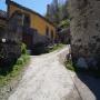 Esta casa amarilla de Regla de Cibea es la referencia: tenemos que seguir a su derecha.
