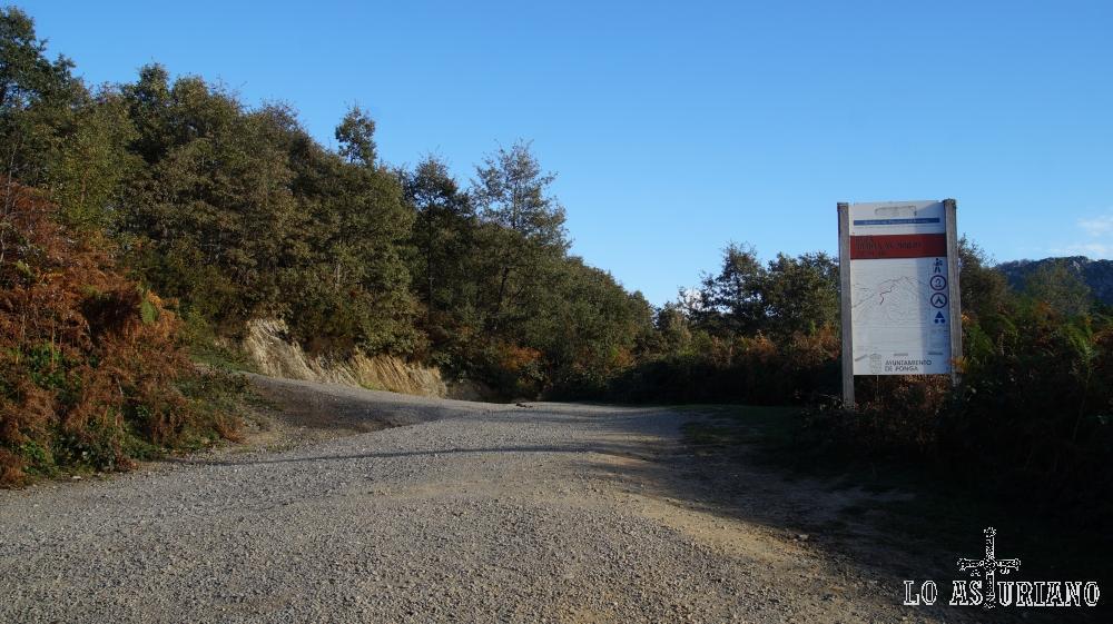 Inicio de la subida al pico Pierzu, desde la collada Llomena.