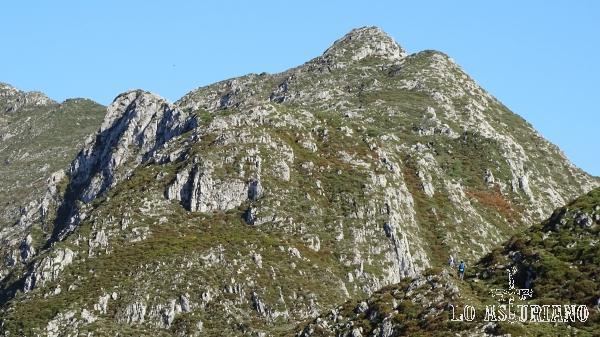 Las estribaciones del pico Pierzu.