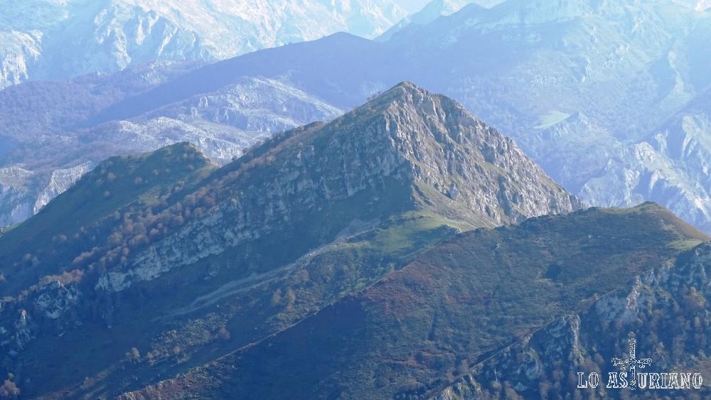 La cima del pico Carriá, cuyo acceso no es tan evidente como el del Pierzu.
