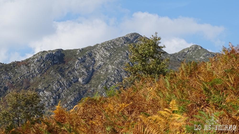 La segunda cima, corresponde al pico Pierzu.