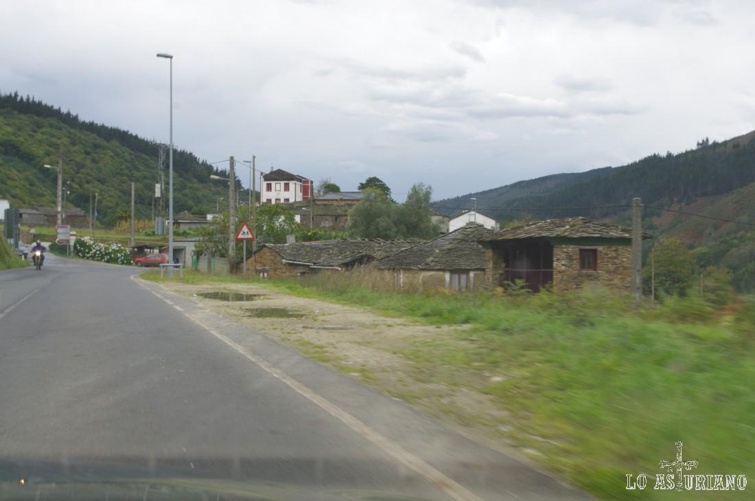 Llegando a Taramundi.