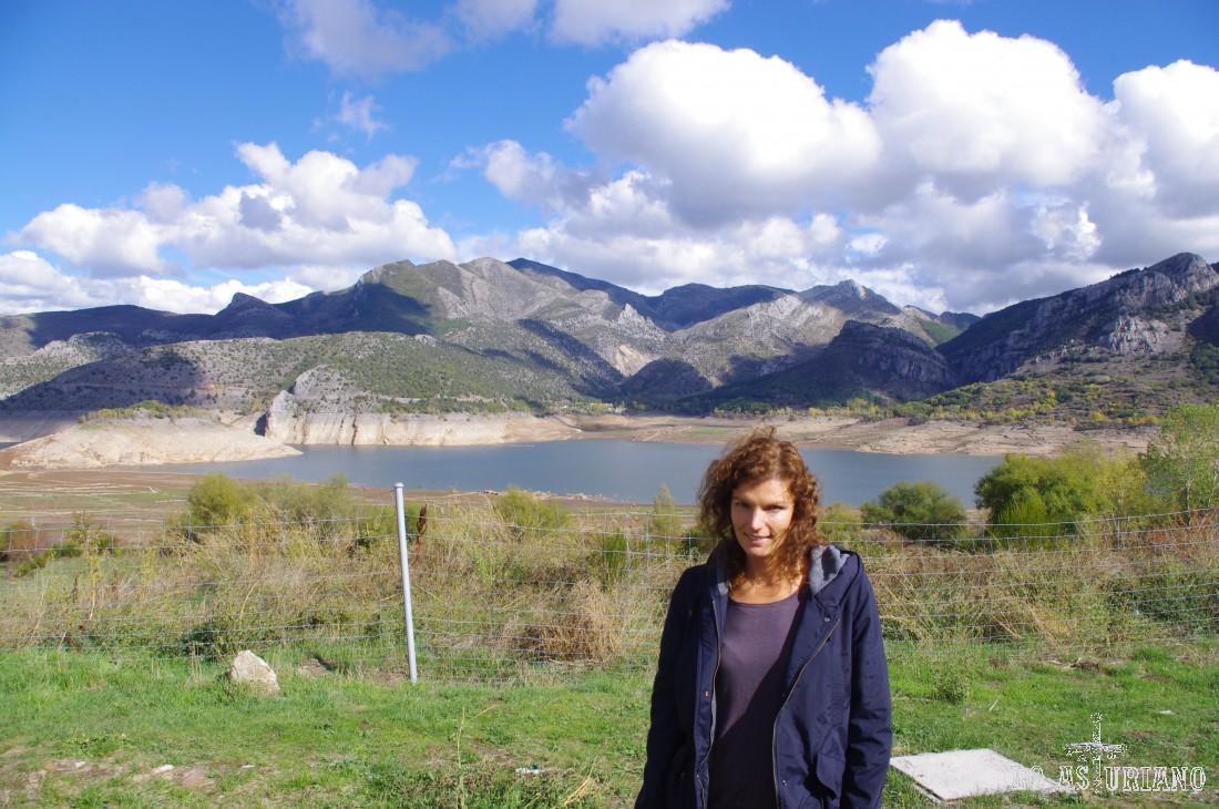 El embalse de los Barrios de Luna en otoño del 2012, bastante bajo de nivel, después de un verano muy seco.