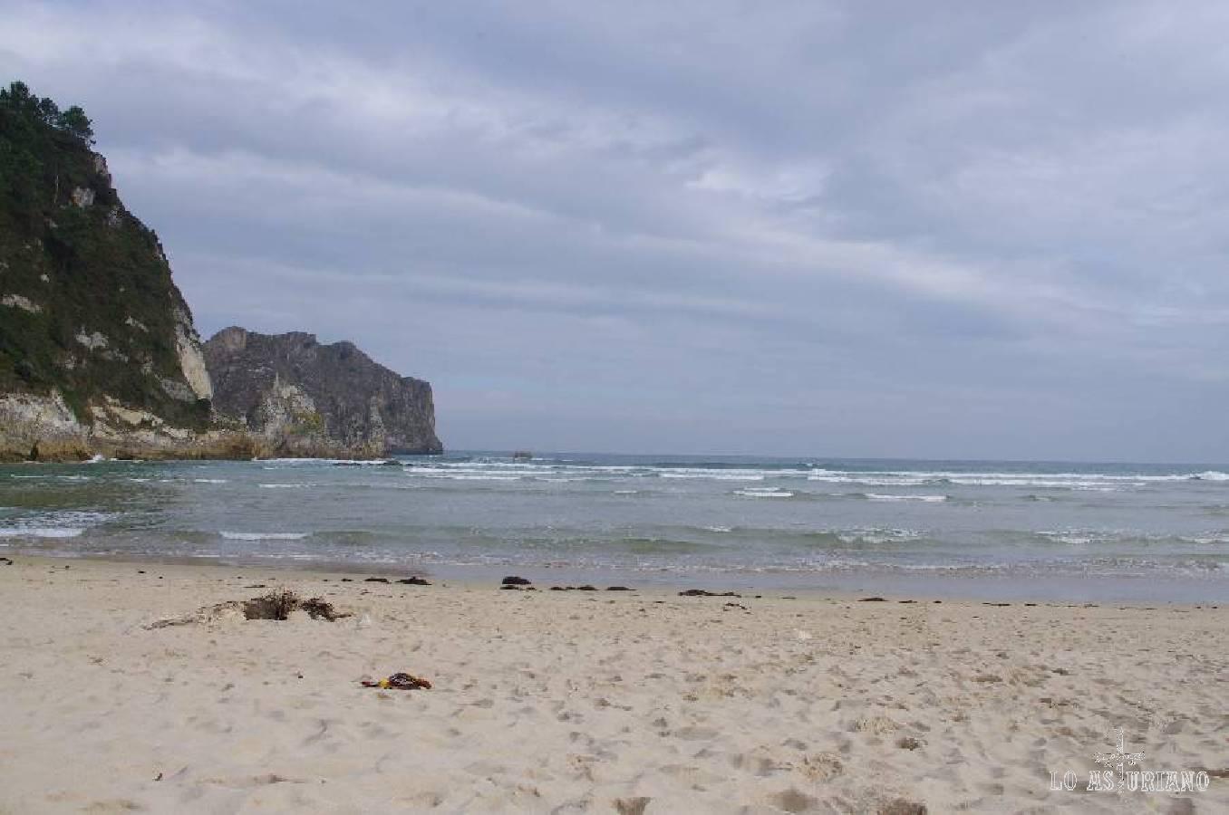 La hermosa playa ribadedense de La Franca. No te la pierdas!