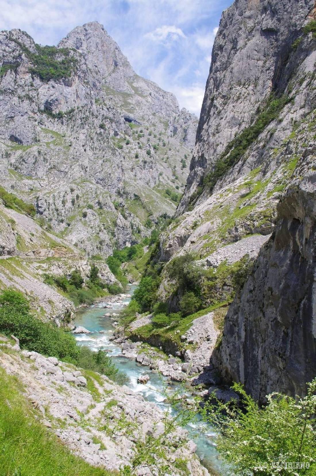 Río Cares en Puente Poncebos