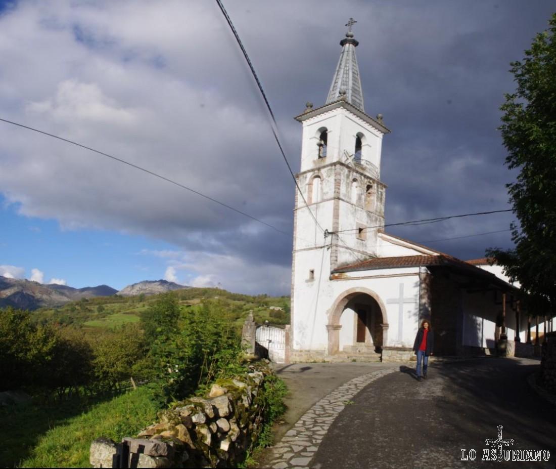 Iglesia de San Andrés de Agües, de 1805.
