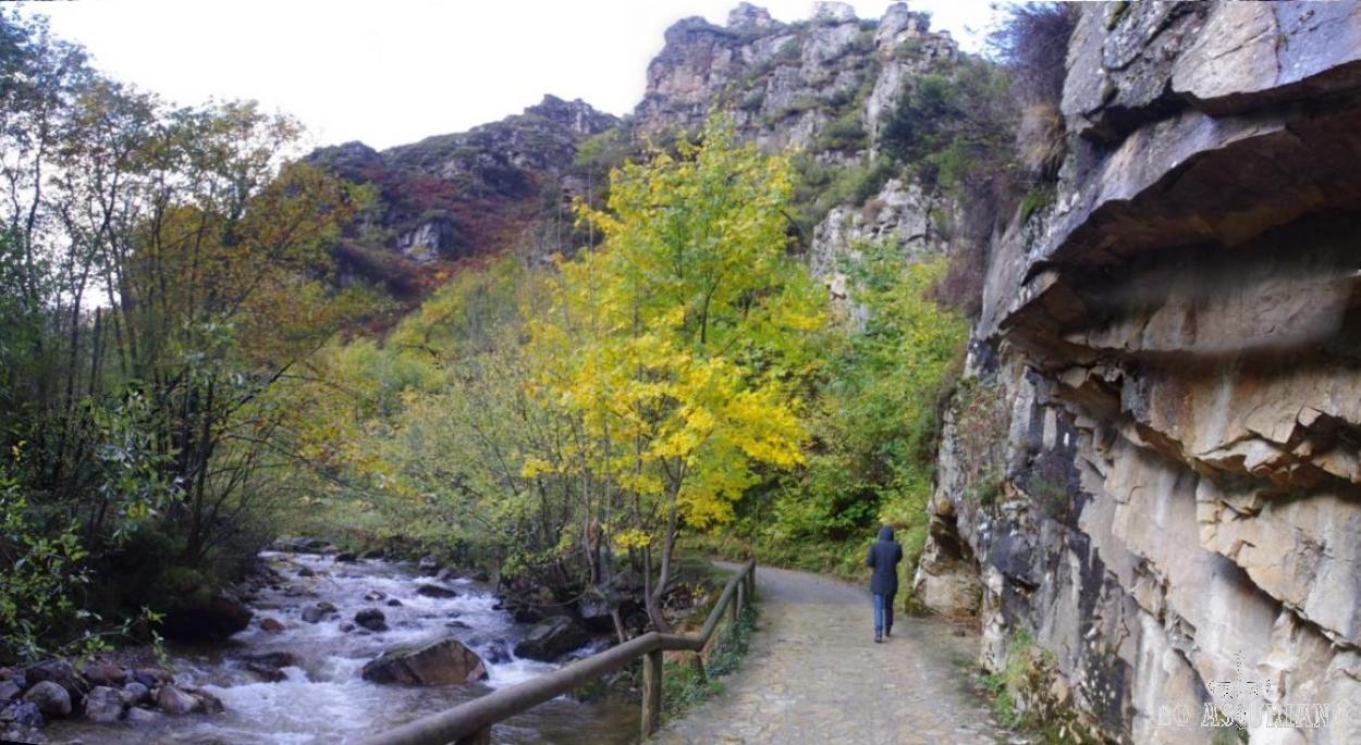 La preciosa zona de Xarfaz, antes de llegar al puente del Retortoriu (desde este puente te puedes desviar para realizar otras rutas más exigentes, como por ejemplo la del collado de Isornu, que pondremos también en la zona de rutas).