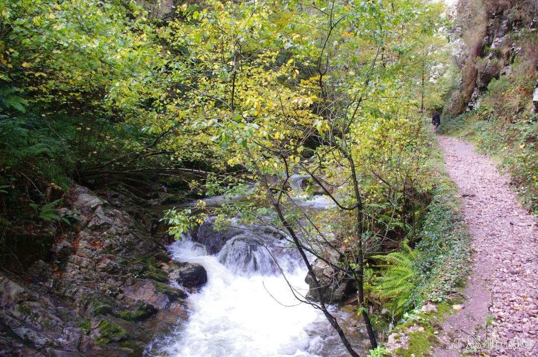 Miraorín, zona de preciosos saltos de agua en el desfiladero del Alba.
