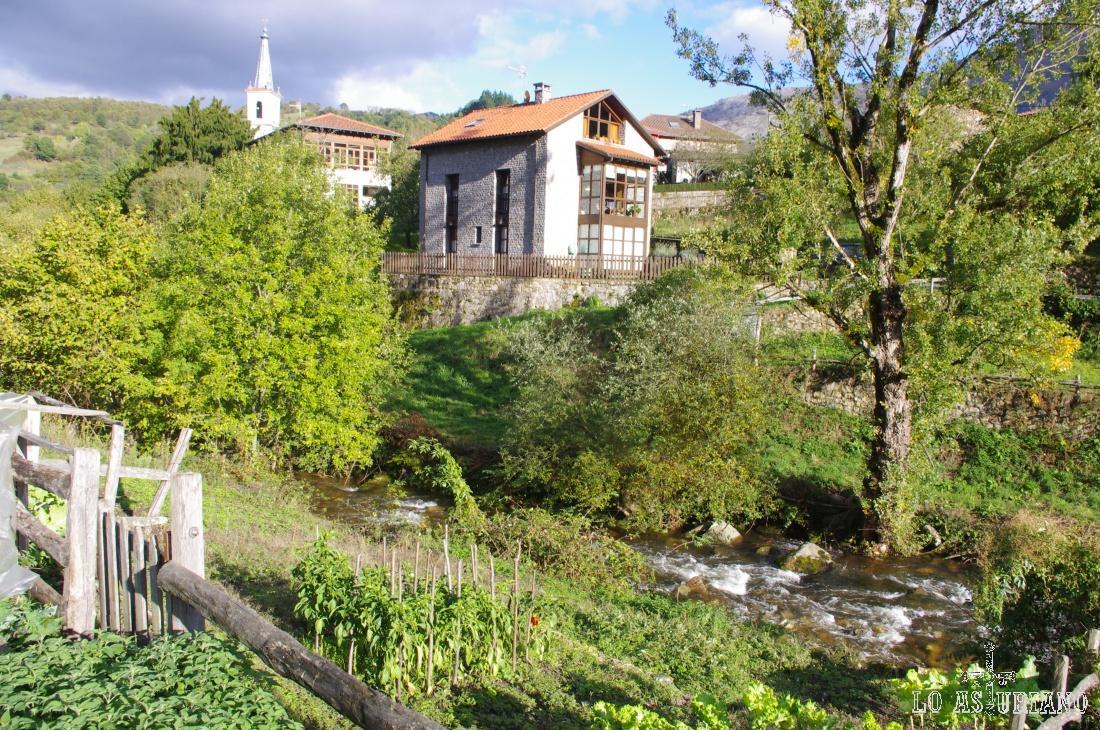 El río Alba y el barrio de San Andrés de Agües.