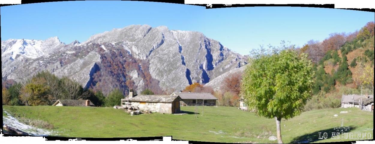La magnífica braña de Brañagallones, quizás la zona más famosa del Parque Natural de Redes.