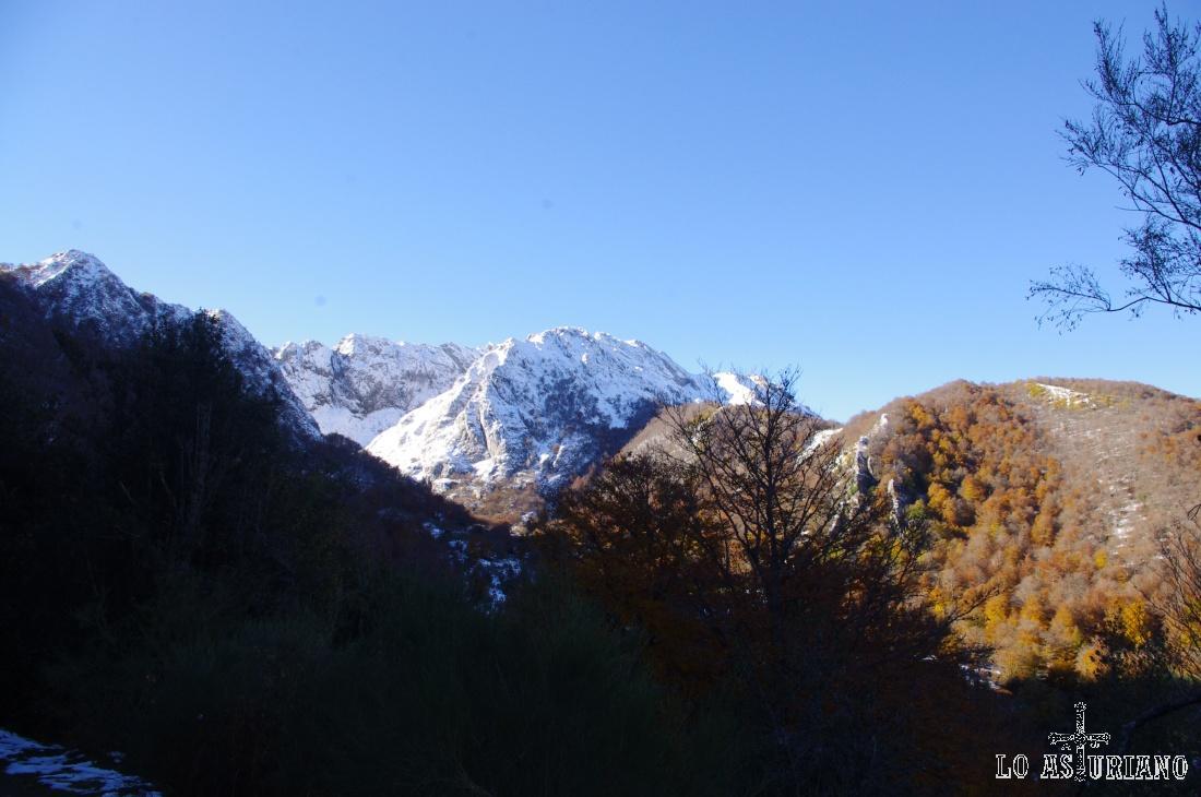 Monte de Redes, con los colores del otoño.