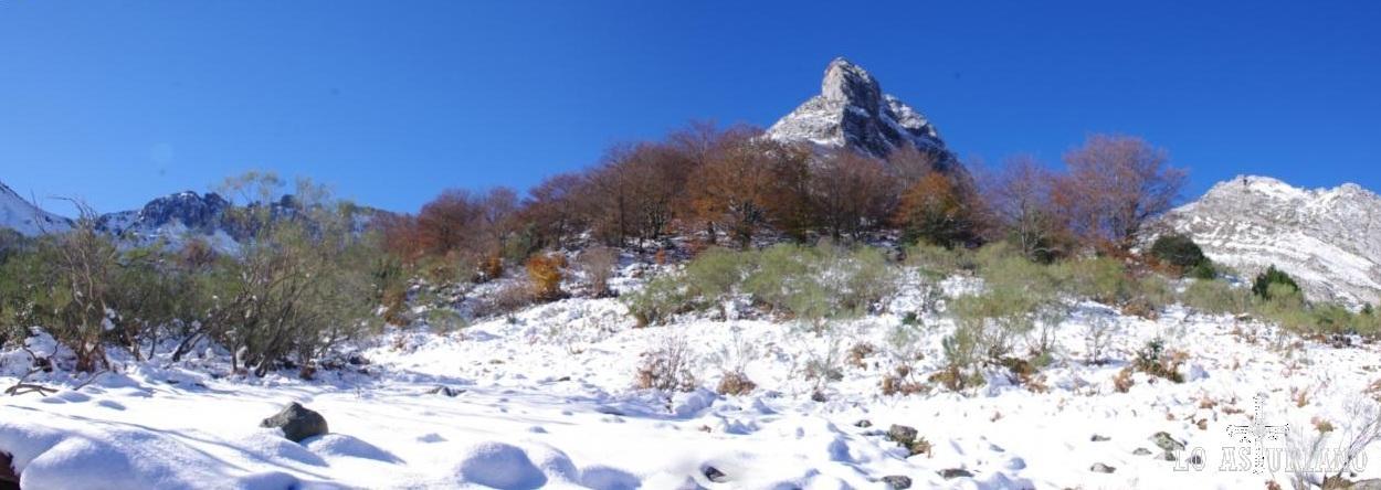 Cumbres limítrofes con la provincia de León.
