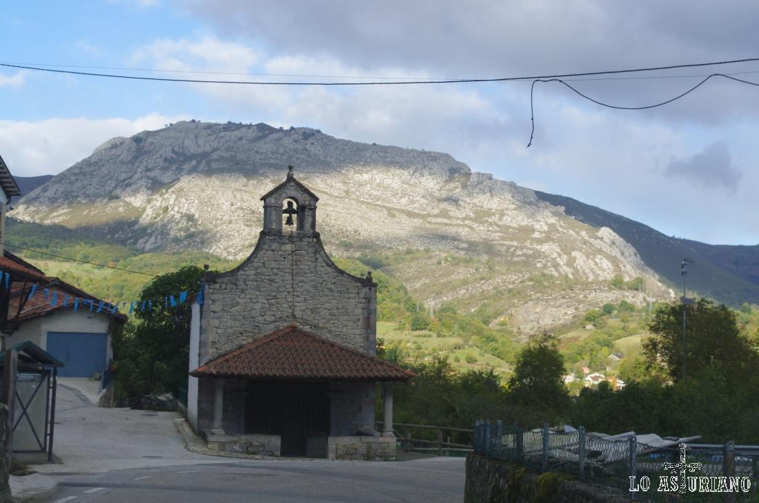 Iglesia de Villamorey, en Sobrescobio.