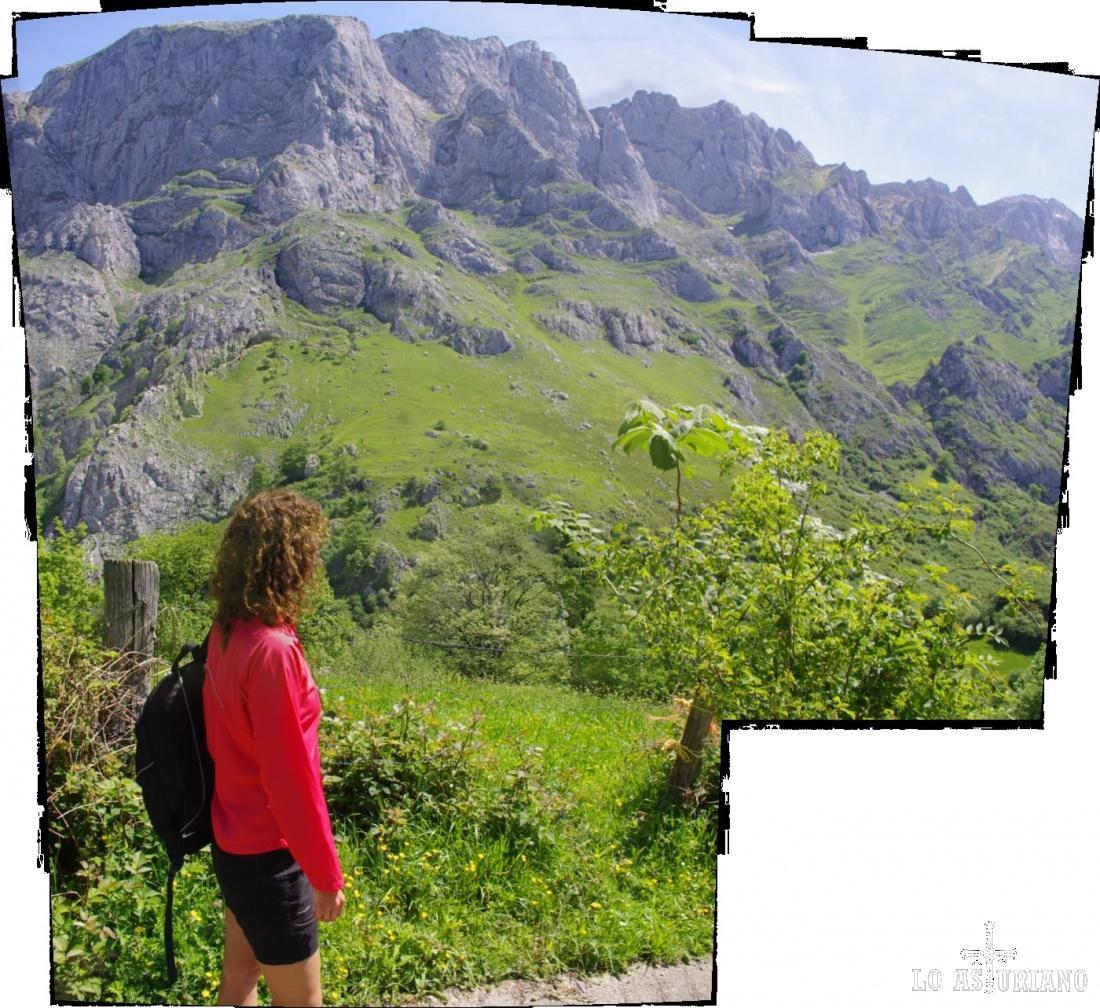 Vistas de las paredes calizas de los Picos de Europa en el Valle de Angón.