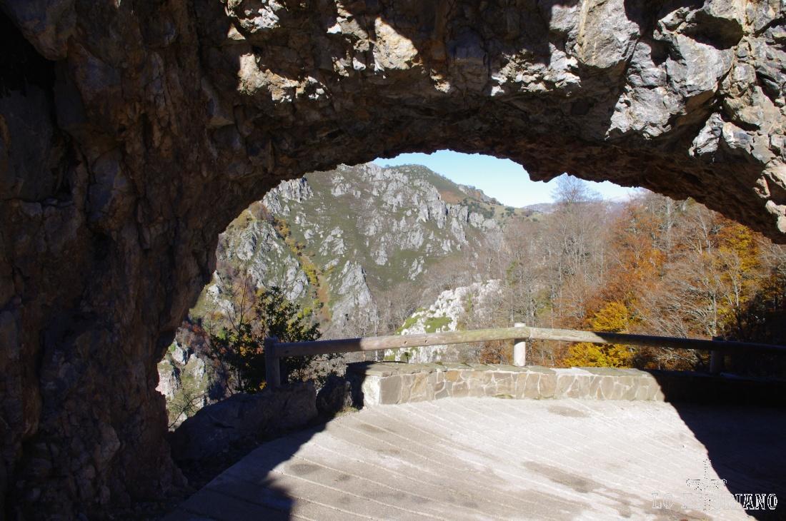 Túnel del Crestón