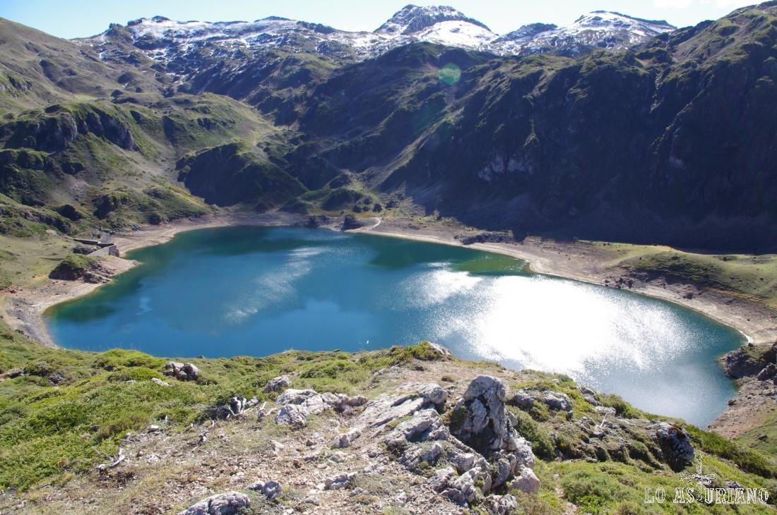 Lago de Calabazosa. 100 metros más arriba, podremos encontrar las Lagunas de Calabazosa.