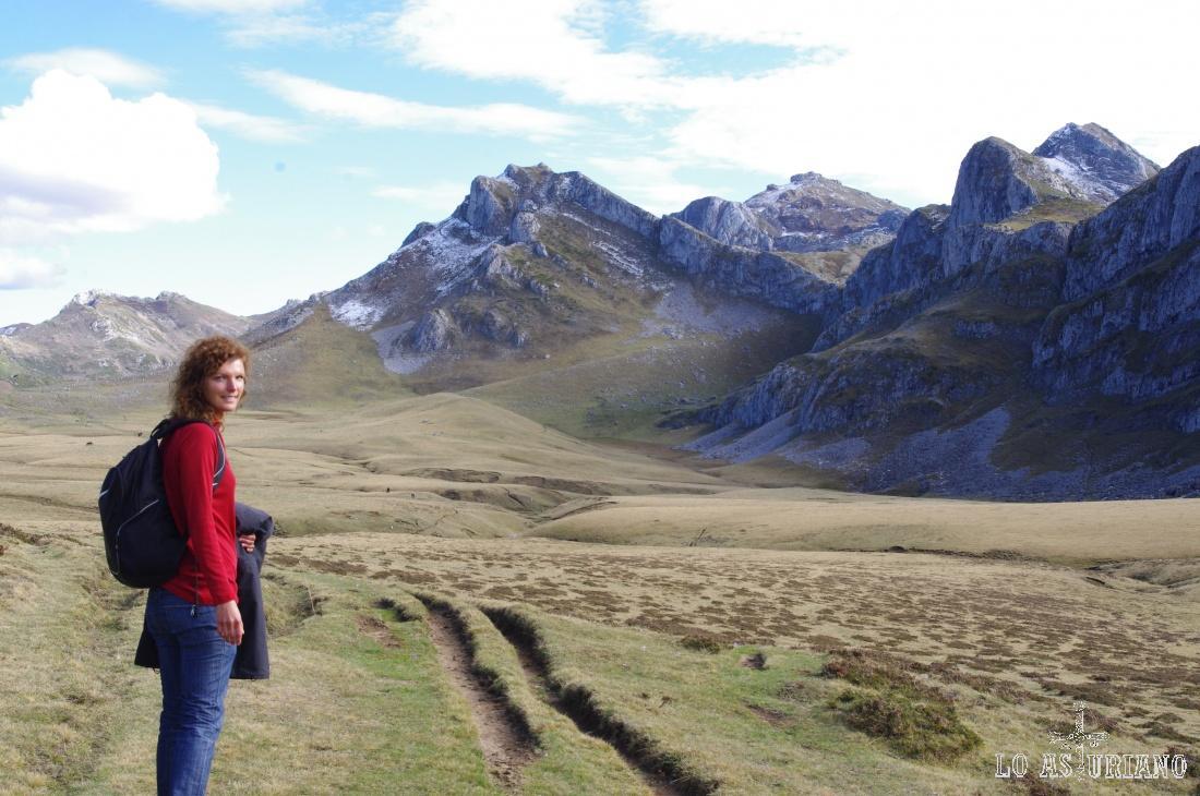 En el centro de la imagen, el Pico de los Pozos, de 1936 msnm.