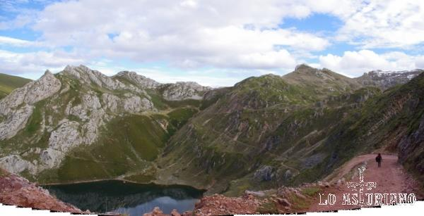 Uno de los rincones mágicos de Somiedo: el Lago de la Cueva.