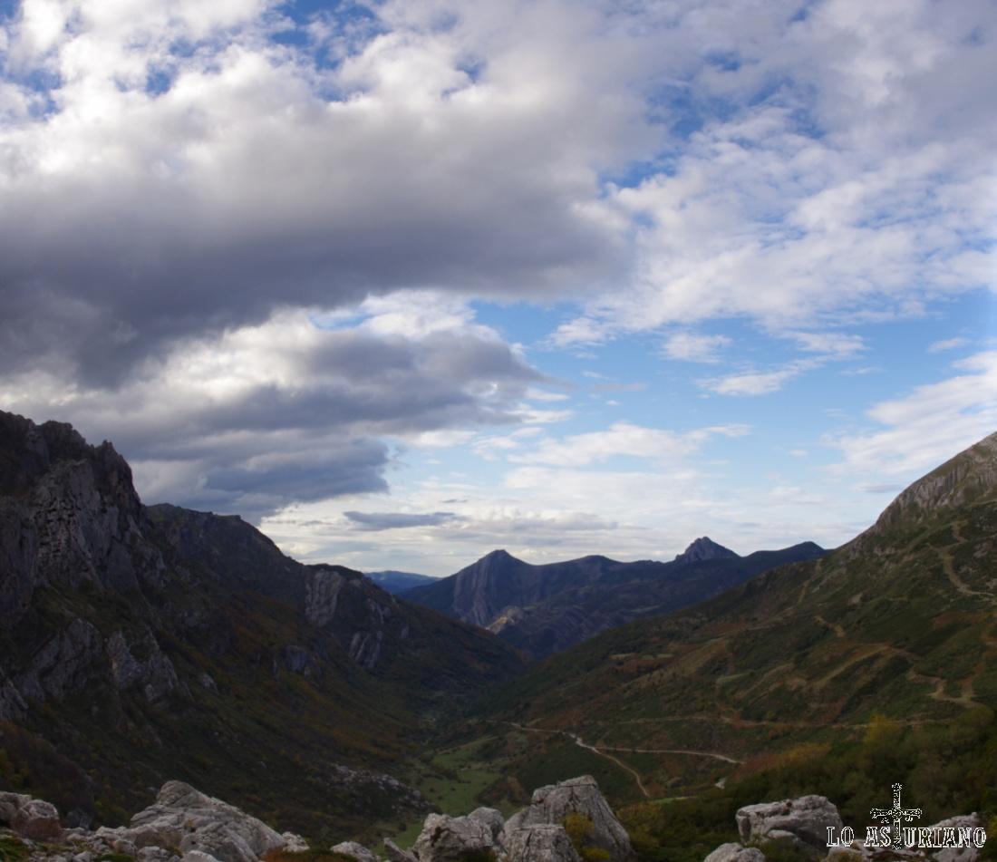 Fabulosas vistas al atardecer, en el valle de Saliencia.
