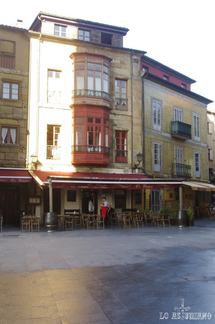 Casas en la Plaza del Marqués, en Gijón.