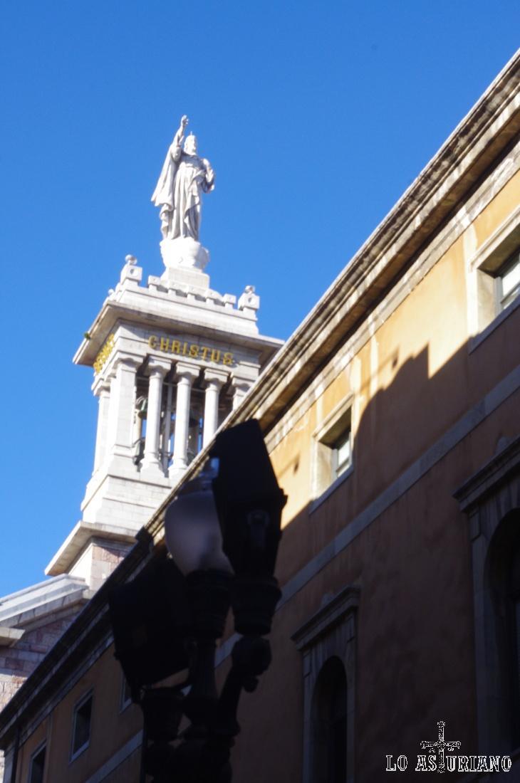 Cristo en la Iglesona de Gijón.
