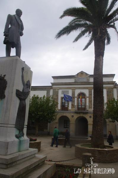 Plaza de la Constitución en Tapia de Casariego.