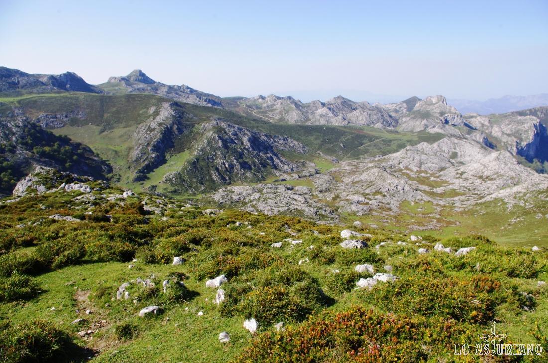 Vistas desde la base de Cabeza Redonda, a unos 1280 msnm.