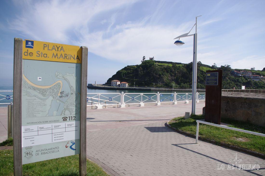 Entrada a la playa de Santa Marina. Tiene sobre 1.5 km, y hace una bonita curva enfrente del paseo de la Grúa.