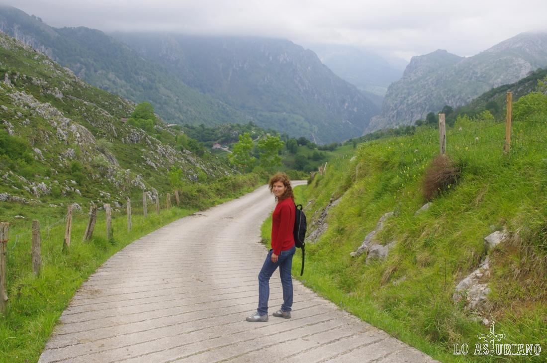 Pistas del entorno de Oceño: uno de los paseos más aconsejables de la zona oriental de Picos de Europa.
