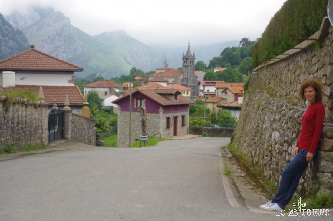 El coqueto pueblo de Alles, capital ce Peñamellera Alta y parada obligada.
