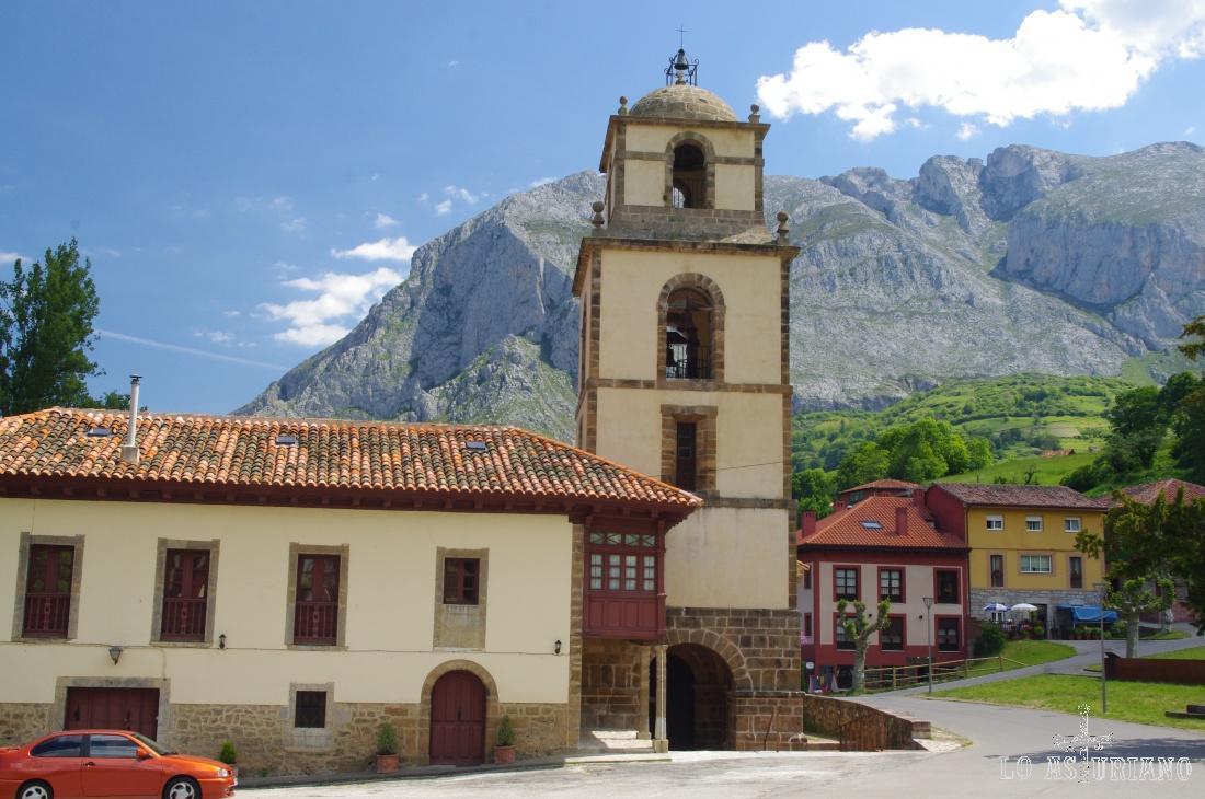 La colegiata de San Pedro es un templo románico construido en el siglo XI.