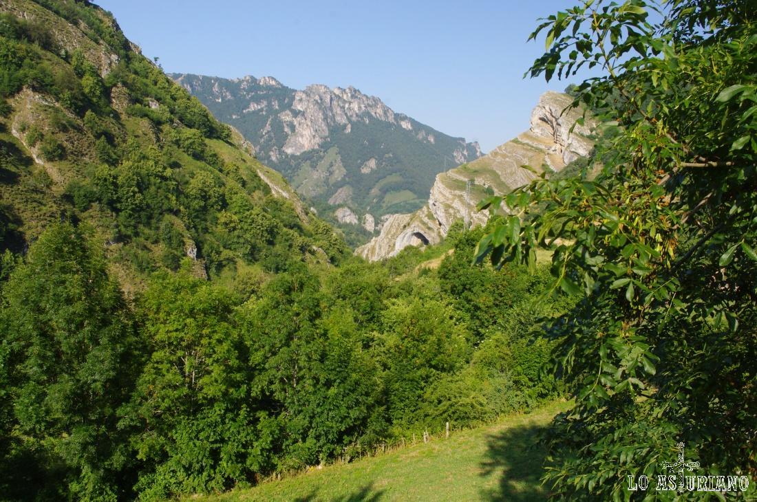 Comenzamos la ruta en el verde Parque Natural de Somiedo.