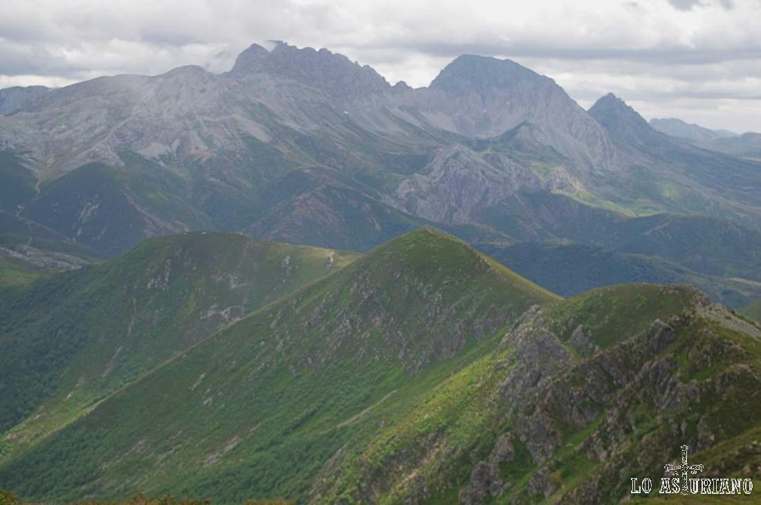 Cimas de Prau, Fontanes y las Ubiñas Mayor y Pequeña, cimas  simbólicas de Las Ubiñas-La Mesa.
