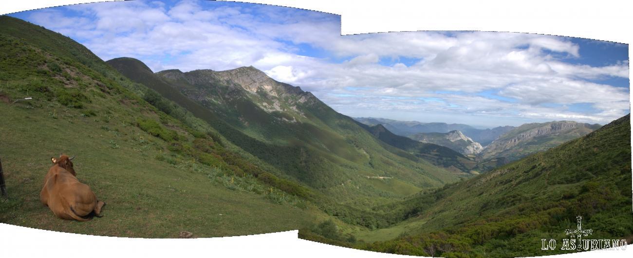 Foto panorámica del Pico Ferreirúa, cima de Teverga.