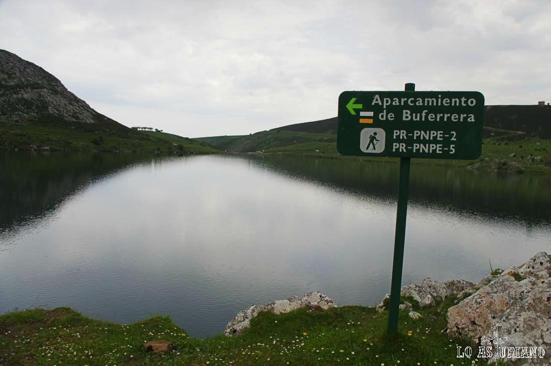 Aquí esta la pancarta que nos indica el aparcamiento de la Buferrera, que es nuestro final de ruta.