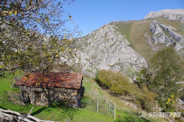 Caseta pastoril en el entorno de Tanda, concejo de Ponga.
