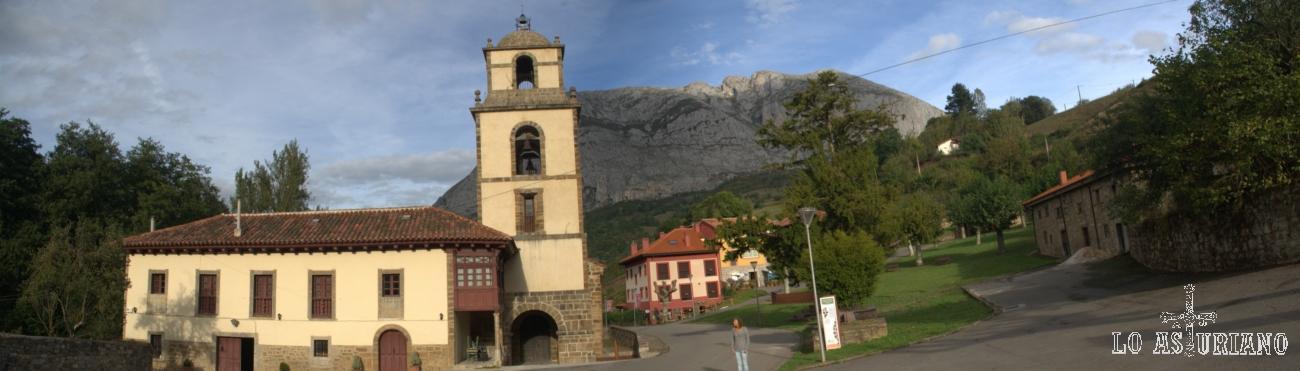 Panorámica de la colegiata de San Pedro con Peña Sobia al fondo. Estamos en Teverga, municipio Ejemplar de Asturias 2013.
