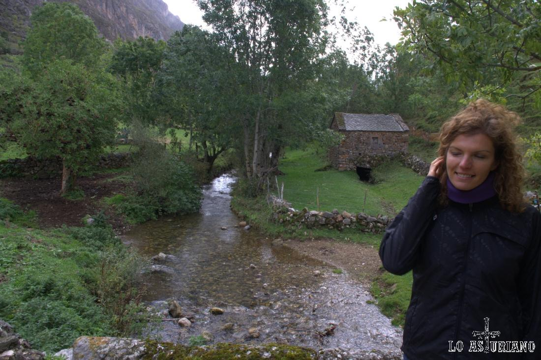 El río Valle, que es que da nombre a este valle somedano.