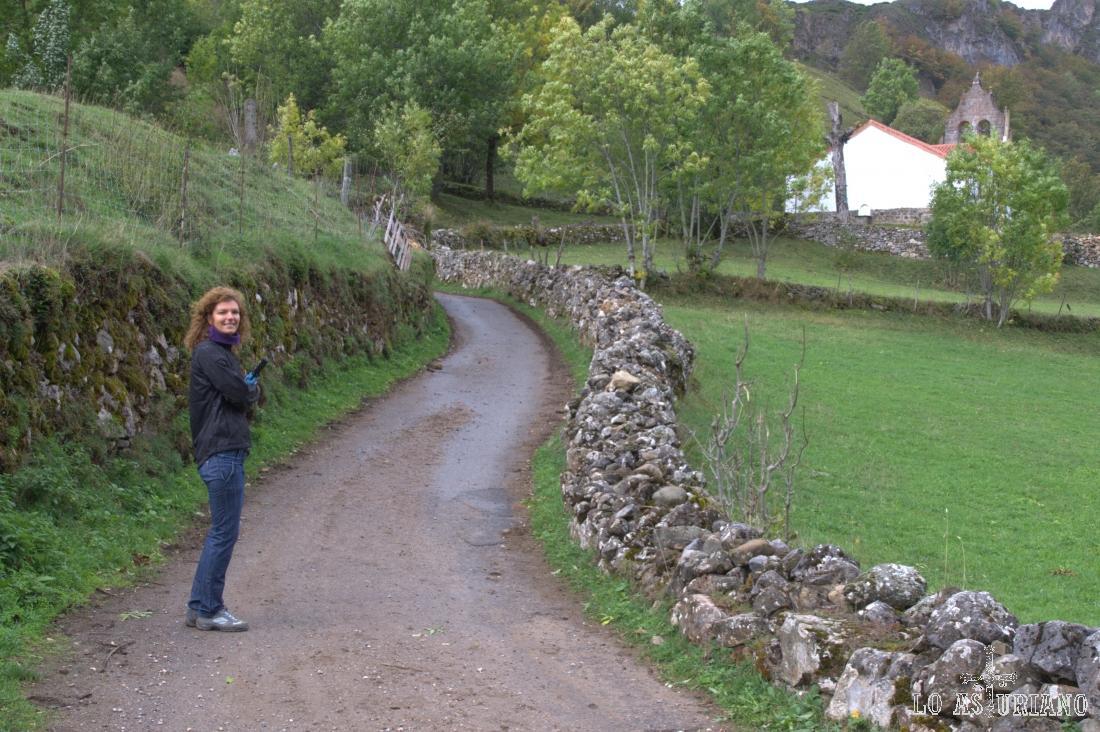 El camino, sale del pueblo por la zona de la iglesia.