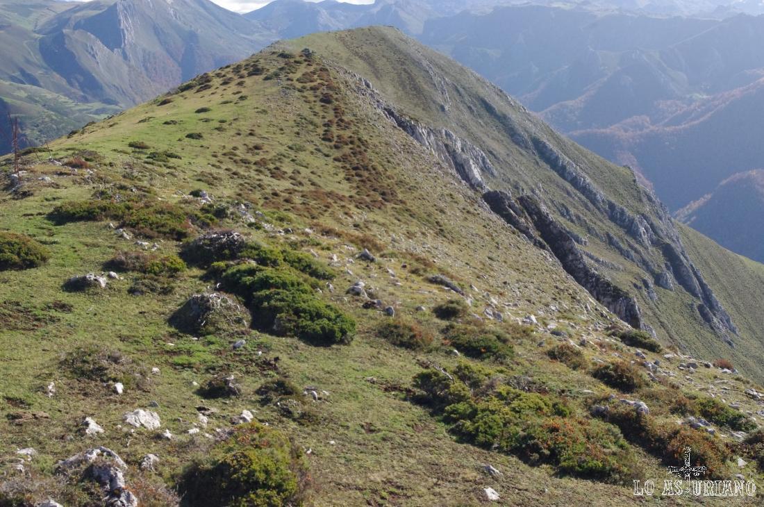 seguiremos 600 metros más, buscando el mirador sobre Saliencia