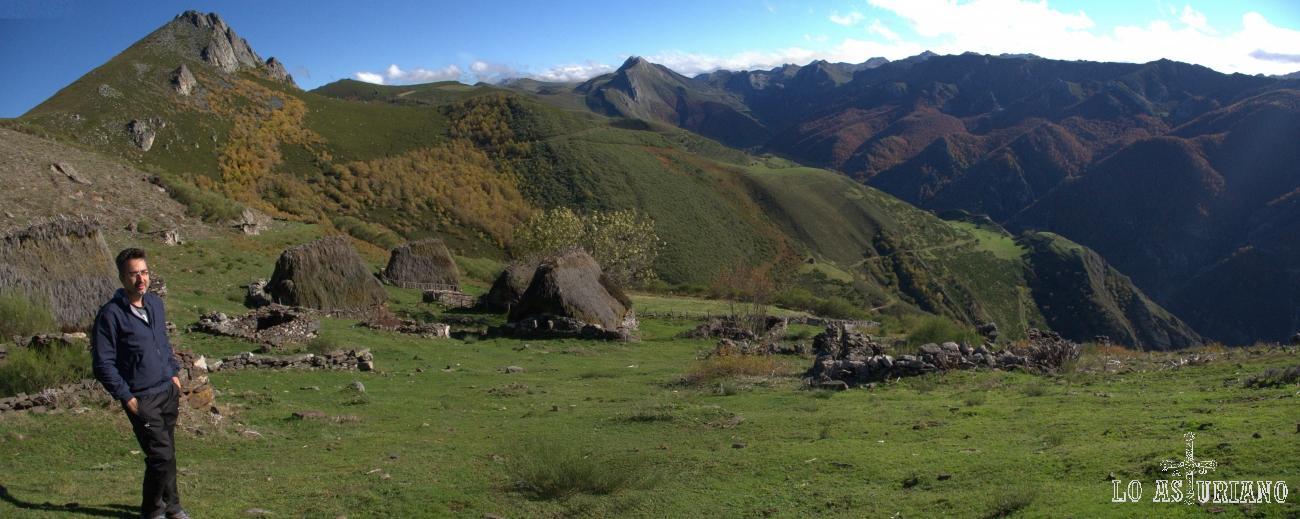 Panorámica del valle de Saliencia desde la braña de La Corra.