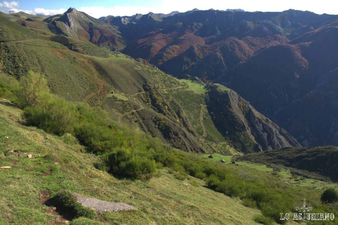 Valle de Saliencia desde la braña de la Corra.