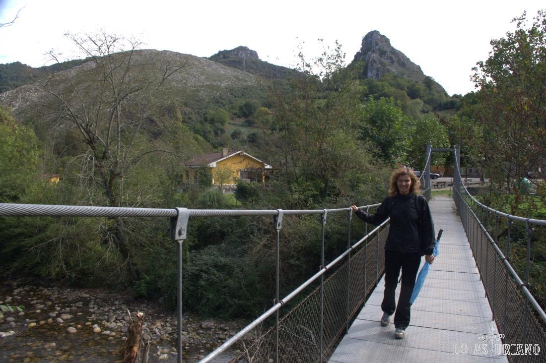 cruzando el Sella en Santillán