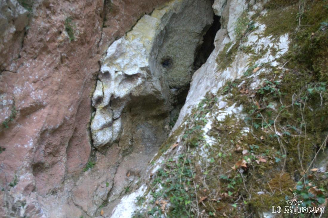 Otro relieve fantasmagórico en las rocas...